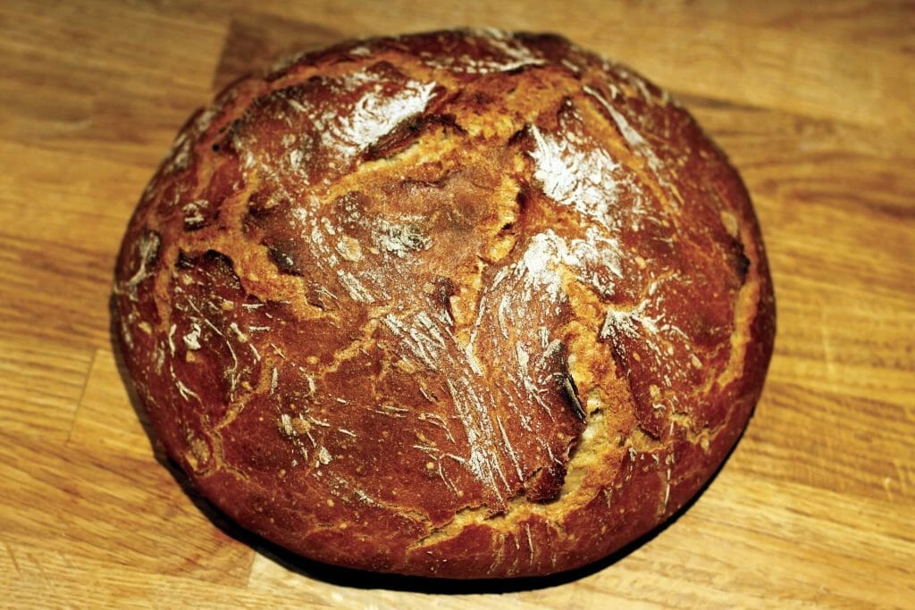 Dinkelvollkornbrot backen